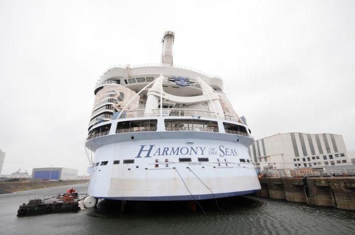 New photos of Royal Caribbean's Harmony of the Seas construction