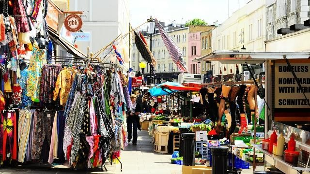 Portobello Road Market in Nothing Hill. 9 best destinations in London for shopping >>> http://bit.ly/1NSII2A