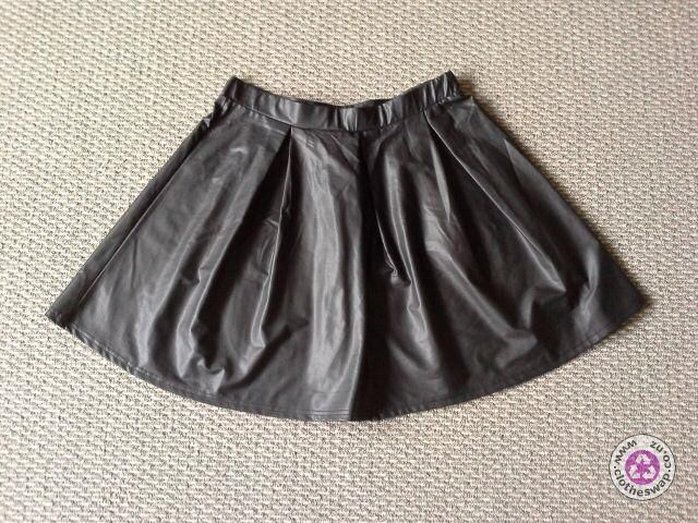 Clotheswap - new leather look skirt
