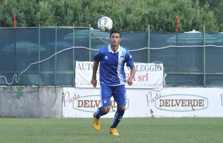 Som ventet har Juventus i dag fået en aftale i hus med Genoa angående den unge midtbanespiller Rolando Mandragora: han får fem år hos de italienske mestre, men afslutter først den igangværende sæson hos...