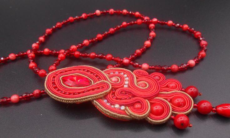 Collana collana rossa con cristallo e perle di corallo