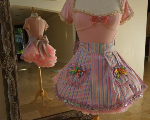 Amazing Bridget us Couture Handmade ucsweet ud Hostess aprons debut at Sugar Factory in Las Vegas
