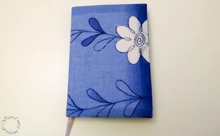 Varrj magadnak, vagy akár ajándékba borítót füzetre, könyvre, naplóra, vagy naptárra! Ezzel nem csak személyessé teheted, de extra funkciókat is adhatsz neki.