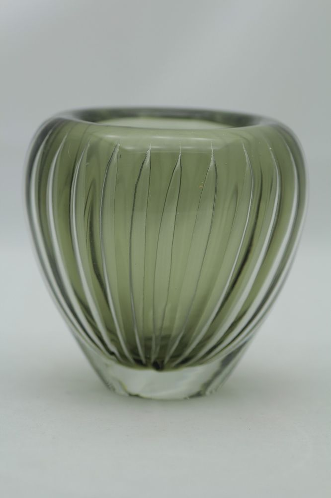 I bought this Kaj Franck art glass vase, c.1950, by Finnish glass company Nuutajarvi Notsjo, on eBay. It's an amazing piece of the glassblower's art!