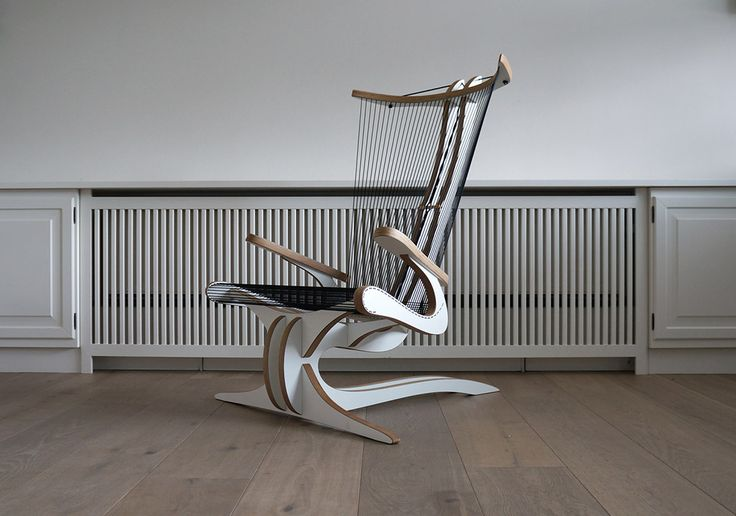 Inspired by the Greek mythological creature of a similar name, the Hippokamp chair is an abstract interpretation of a seahorse' iconic shape. Intentionally intricate, this artistic