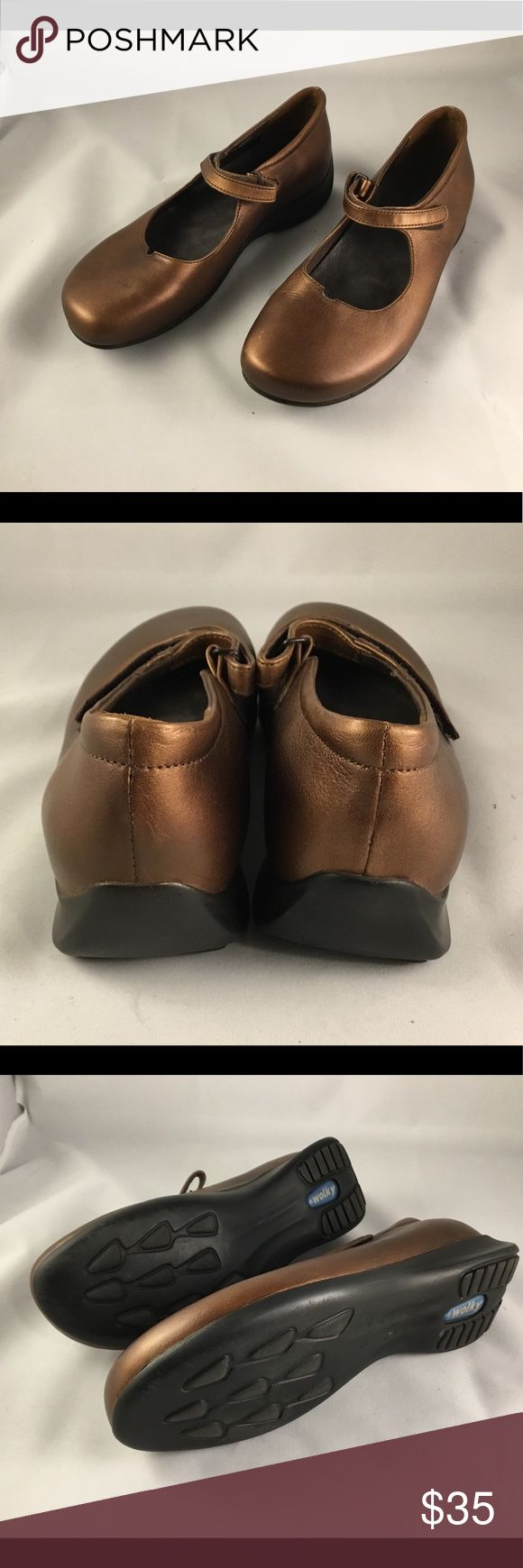 Wonky Copper Leather Mary Jane sz 7.5 Great condition European comfort Shoe in pretty copper leather.  Adjustable strap and shock absorbing rubber sole for all-day ease. Wolky Shoes Flats & Loafers