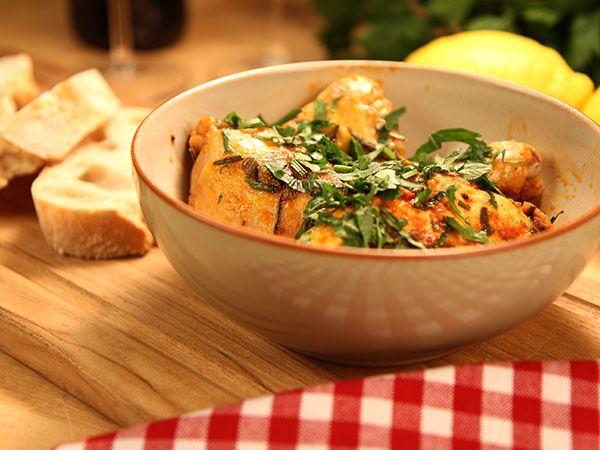 Kyckling med tomat, kapris och oliver   Recept.nu