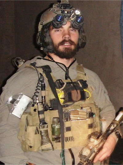{  OUR FALLEN HEROES: ROBERT REEVES | SOFREP  } #SOFREP ..... ''When Extortion 17 went down, thirty Americans perished in the blink of an eye. Senior Chief Robert James Reeves was one of those Americans''......  http://sofrep.com/38539/fallen-heroes-robert-reeves/