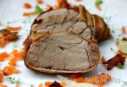 Baconben sült szűzpecsenye Kikitől: http://www.nosalty.hu/recept/baconben-sult-szuzpecsenye