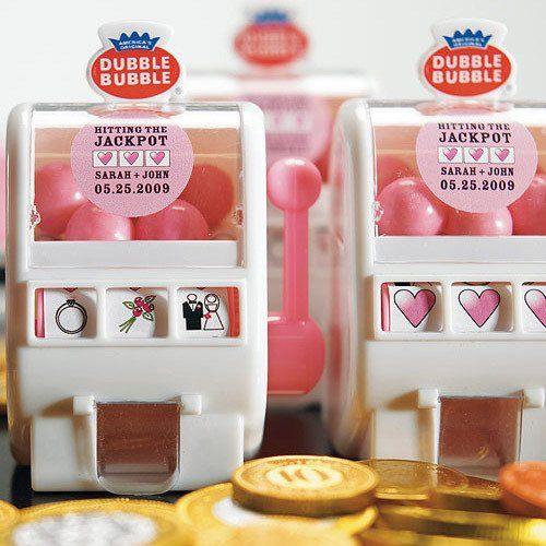 Love jackpot! Custom bubblegum slotmachine guest goodies   Oodles of Inexpensive Vegas Wedding Favor Ideas   Little Vegas Wedding