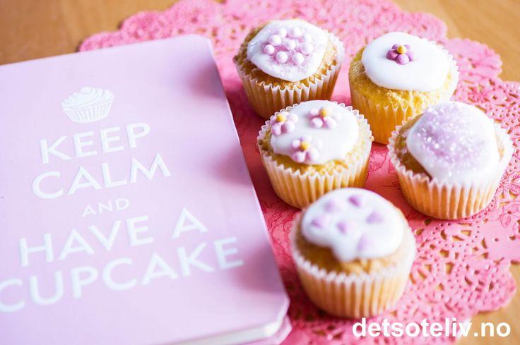 Mini Vanilla Cupcakes | Det søte liv