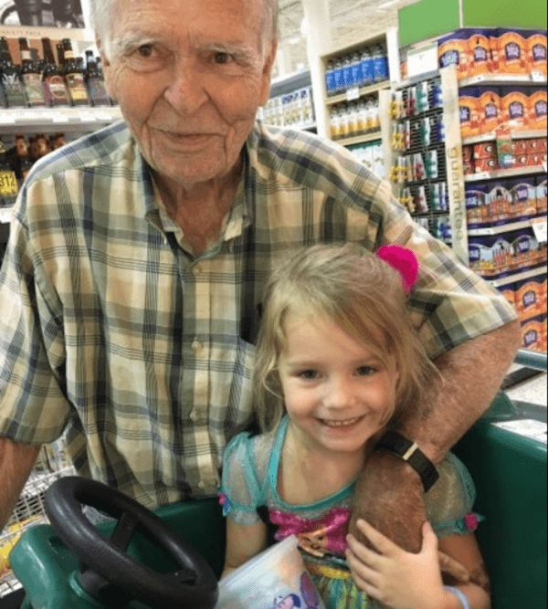 4-Year-Old At Grocery Store Calls Lonely Widower 'Old,' And Mom Is Floored By His Response