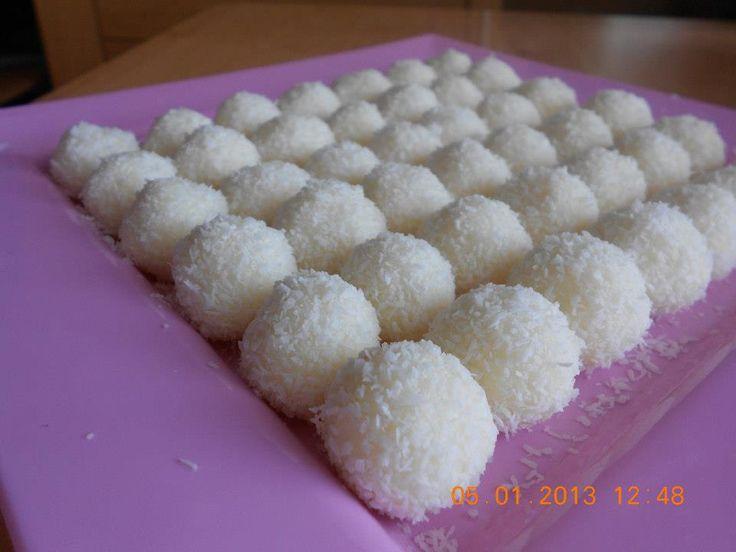 Bolitas de galletas y leche condensada | Cocinar en casa es facilisimo.com