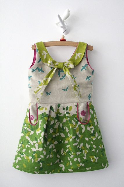 What a wonderful use of fabric and piping - Antoinette by Leven met Liv, via Flickr