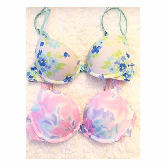 Gilly hick's push-up bra 2 for only $9!! In a good condition✨ Gilly Hicks Intimates & Sleepwear Bras