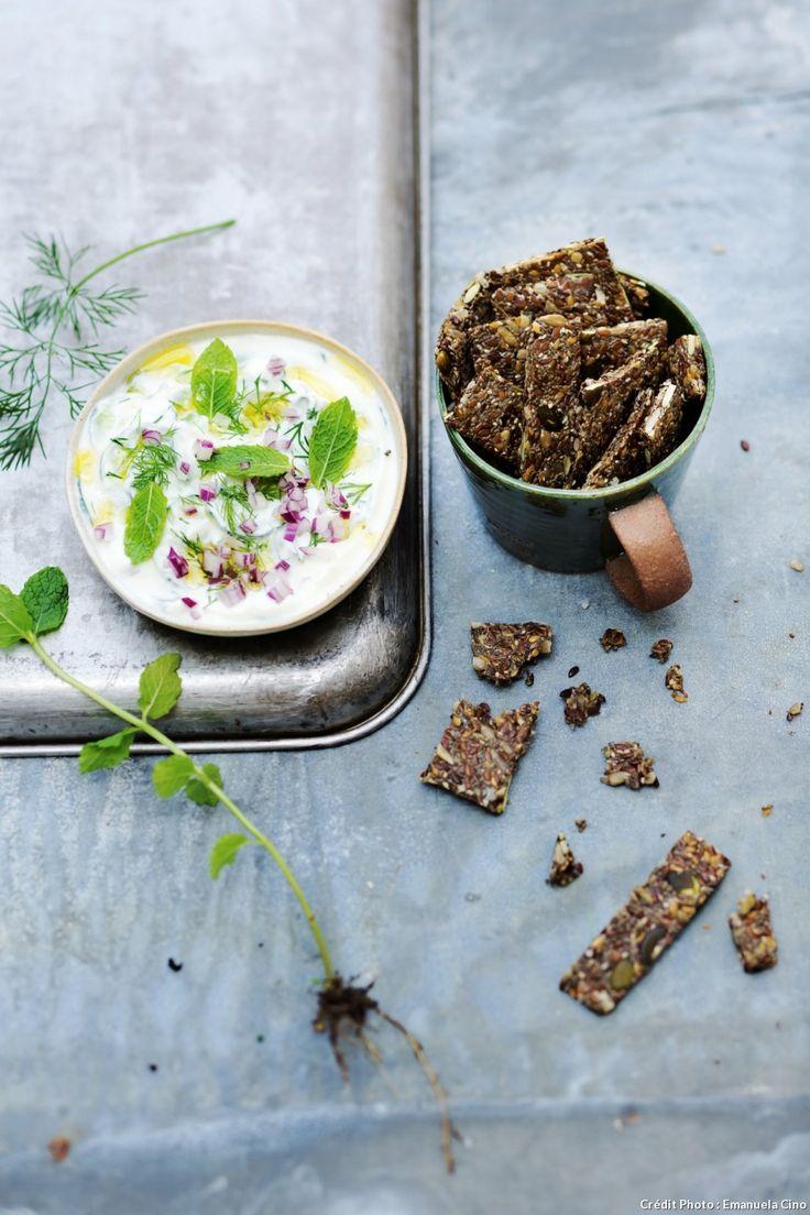 crackers sal s aux graines et salade de yaourt au concombre recette veggie veggies. Black Bedroom Furniture Sets. Home Design Ideas