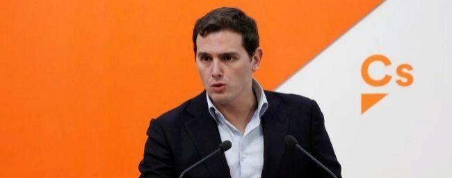 Cs se reúne con los 'comunes' para buscar su apoyo para presidir el Parlament  de Cataluña