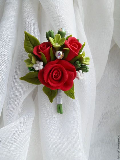 Броши ручной работы. Ярмарка Мастеров - ручная работа. Купить Брошь из полимерной глины  с Красными розами. Handmade. Самозатвердевающая глина