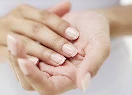 Mãos Macias com bicarbonato de sódio