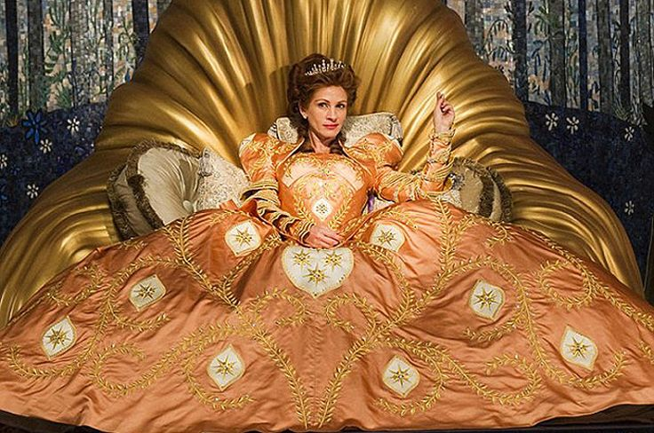 Платья сказочных королев - Нелепые факты