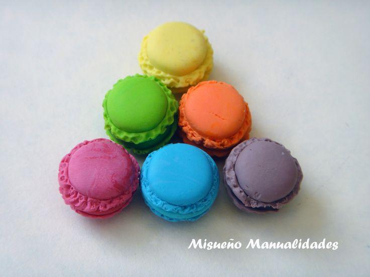 Macaroons,  Ø 1,2 cm y hechos de Fimo. www.misuenyo.com / www.misuenyo.es
