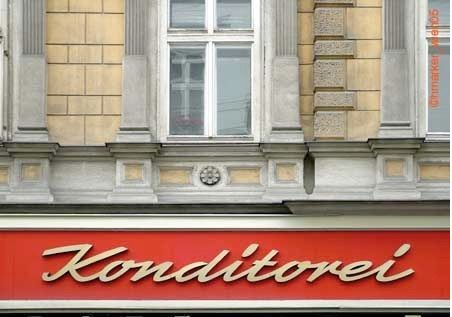 Typograhic Viennese Facades: 4000 Photo