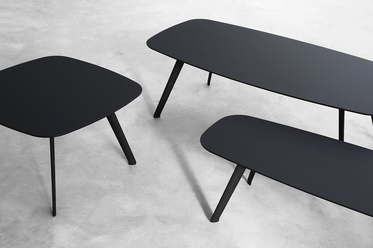 Superb black STUA Solapa table, made with the award winning, anti-scratch, Fenix material. The Jon Gasca design comes in three sizes: 60x60, 60x120, 40x120cm  SOLAPA: www.stua.com/design/solapa