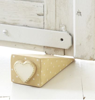 17 best images about wood projects on pinterest chicken wire easels and wooden hearts - Cute door stoppers ...
