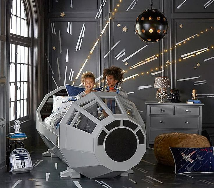 Could you imagine your bedroom becomes a Star Wars Battlefield? #starwars #bedroom #kids #decor