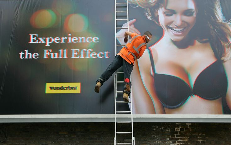 "Wonderbra ""Experience the full effect"" ‪#‎jetudielacom‬"