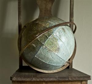 GlobeDecor Ideas, Chairs, Maps, Mothers Earth, Vintage Wardrobe, Antiques Globes, Places, Big Little, Vintage Globes