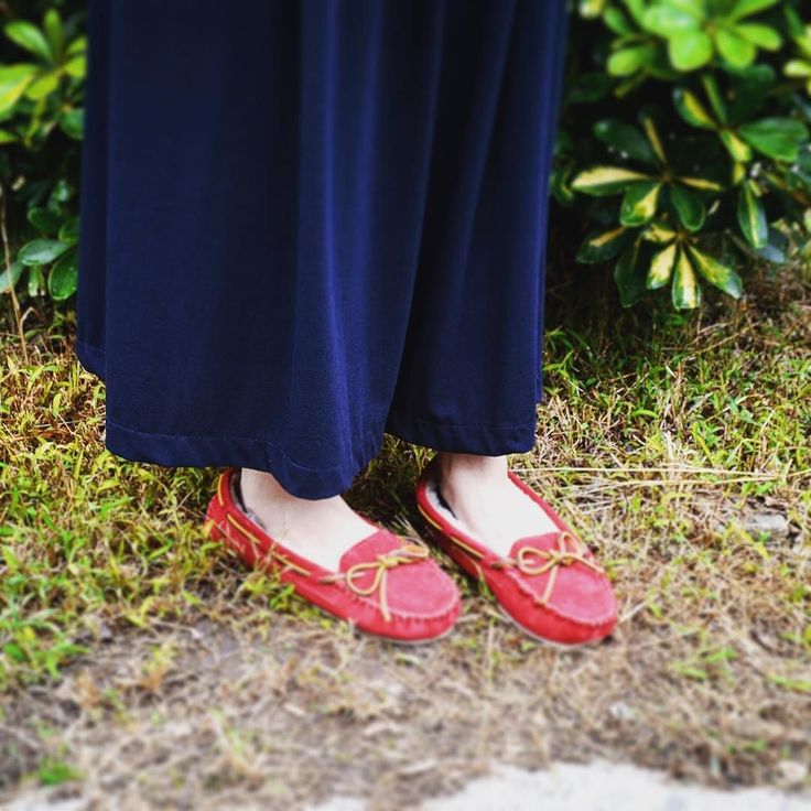 ミネトンカより外でも室内でも履ける万能モカシンシューズの登場です #minnetonka #moccasins #fashion #womensshoes #womens #carryslipper #ミネトンカ #ミネトンカモカシン #モカシン #モカシンシューズ #キャリースリッパー #レディースシューズ #ムートン #カジュアル #楽天市場 #シューゲット