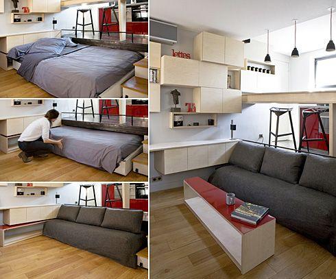 巴黎這間由Julie Nabucet Architectures打造的16平米小公寓,有客廳、有吧台……在設計手法上,大量應用錯層的方法,在盡量小的空間中做出盡量多的存儲單元。並以高起的平台作為廚房和浴室,通過高度差來區分用餐區和客廳,而下方的空間則安裝了抽拉式的床,露出的部分兼作沙發——等於是把三個空間疊加在了一個平面上,絕不浪費任何一點小空間。同時,在家具的處理上,只使用了簡單的紅黑白色系,展現出俐落的都會風。