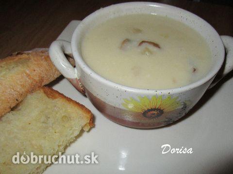 Fotorecept: Kyslá zemiaková polievka - Milujem jednoduché polievky. Medzi ne patrí aj zemiaková polievka so sušenými hubami.