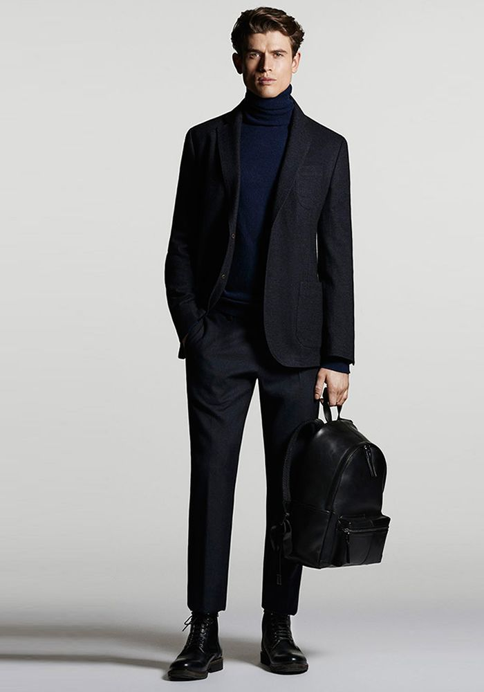 Today's Look: Rollneck. Photo: Massimo Dutti. #ootd #menswear #mensfashion #mensstyle #instafashion #rollneck #blazer #backpack #croppedtrousers