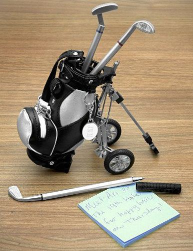A set of golf club pens that come in a golf bag holder. | 24 Ridiculously Cool Pens That Will Inspire You To Write More