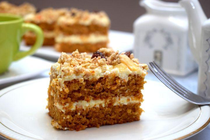 Mrkvový koláč s tvarohovou plnkou