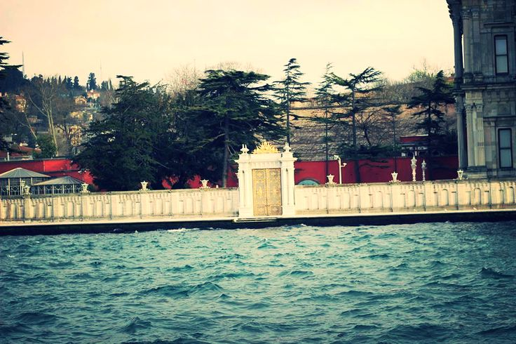 Door Istanbul Turkey - Boat trip