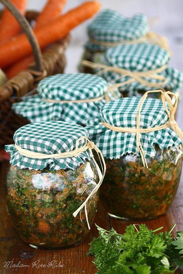 Fix was Gutes aus dem Glas Selbstgemachte Gemüsebrühe ist wahrlich kein Hexenwerk. Dafür musst Du nicht mal zaubern können. Sie ...