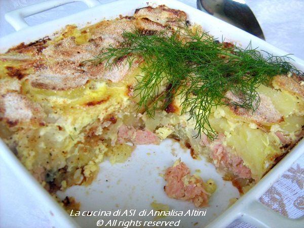 Oggi ho cucinato il LAX PUDDING una ricetta svedese che ha come ingredienti il salmone affumicato, la cipolla, la panna ed il latte Ricette La cucina di ASI