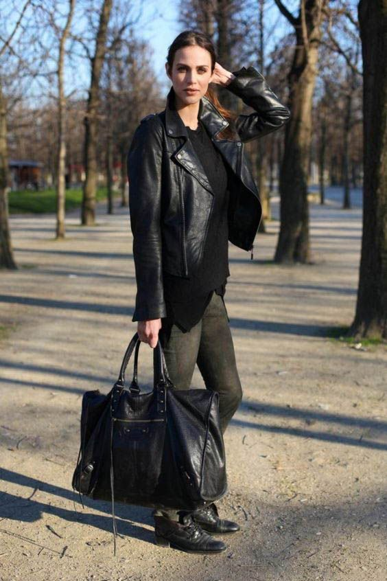 dc311d6a470 17 Chic Tote Bags for Work | Street Style | Fashion, Balenciaga bag, Style