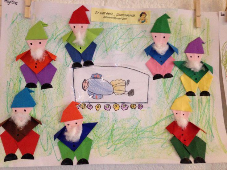 * Sneeuwwitje en de 7 dwergen vouwen - sprookjes. Leuk als groepswerk.
