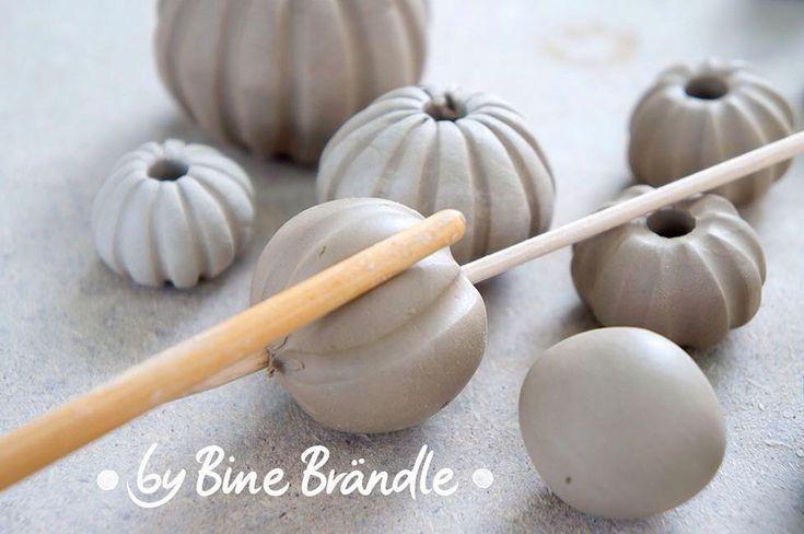 Perlen aus Ton machen🤗#binebraendle #clay #cera…