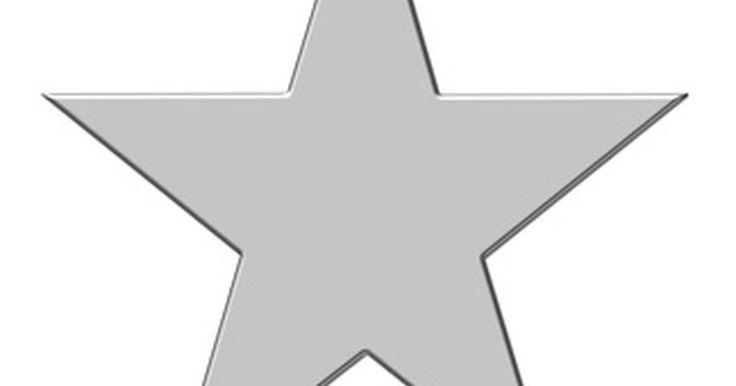 Cómo medir los ángulos internos de una estrella. Las puntas de la conocida estrella de cinco puntas tienen ángulos de 72 grados. Las líneas que surgen de estas puntas se unen en puntas hacia adentro que tienen ángulos de 108 grados. Estas medidas están de acuerdo con las fórmulas para las estrellas en general, que establecen que el ángulo de las puntas externas de una estrella son de 180/N ...