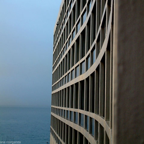 Pestana Casino Park, composto por três edifícios: um Casino, um Centro de    Congressos e um hotel de 5 estrelas - Funchal - Ilha da Madeira - Portugal    (projeto de 1966 mas concluído em 1976)