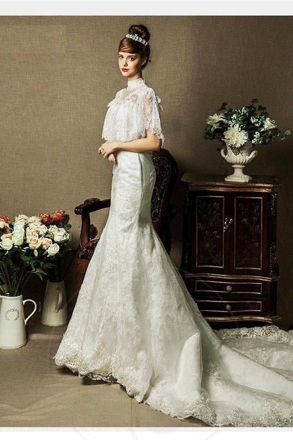 Robe de mariée ras du cou de traîne watteau de col haut col ras du cou de lotus