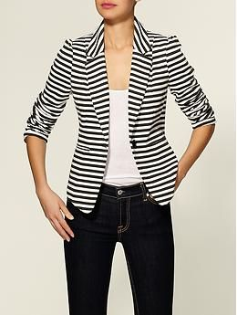 I love black and white striped blazers! Finding one that's the best fit will be an ultimate prize! I was excited to see this Bleecker Blazer by Tinley Road on Wendy from Wendy's Lookbook but unfortunately I'm thinking the length may not be the best fit on me :(