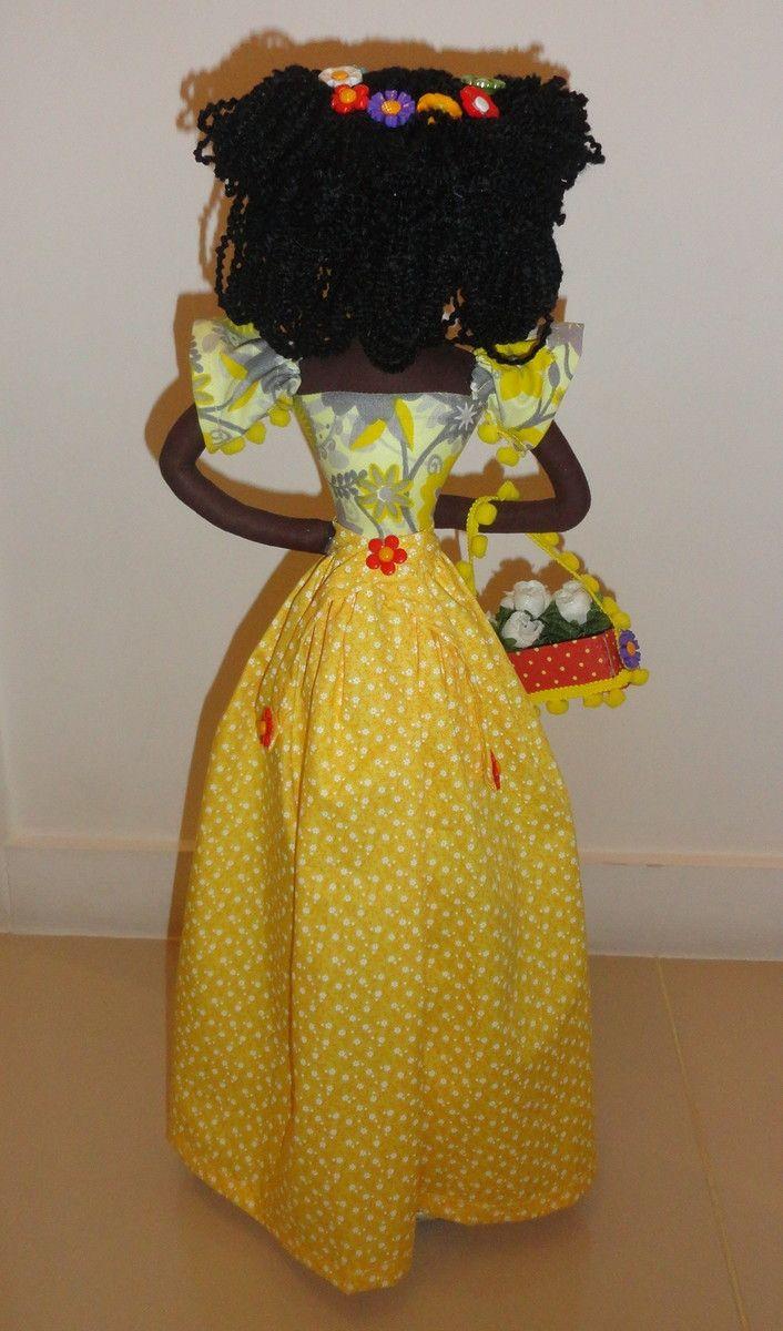 Lindas Bonecas AFRO'S para decorar sua casa!!  Ela é confeccionada toda em tecido com enchimento em fibra acrílica!!  Modelo: Florista  Tamanho:56 cm