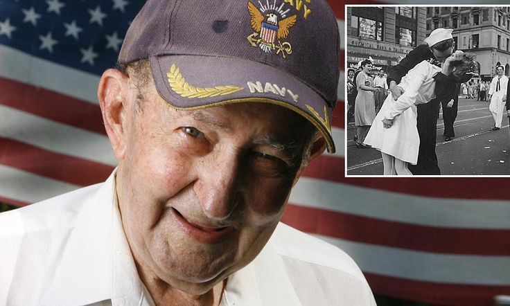 Man known as kissing sailor in WWII-era image dies