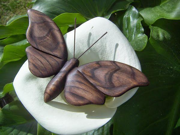 Proceso de tallado de una polilla en madera, paso a paso                                                                                                                                                     Más